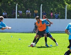 Marcelo Moreno treino Grêmio (Foto: Eduardo Cecconi/GLOBOESPORTE.COM)