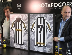 uniforme botafogo mauricio assumpção (Foto: Thales Soares / Globoesporte.com)