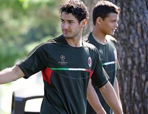 Pato treino Milan (Foto: Site oficial do Milan)