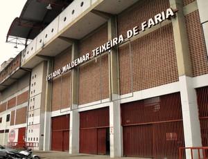 Estádio Farião, do Guarani-MG, será pintado para o Mineiro (Foto: Cleber Corrêa/GLOBOESPORTE.COM)