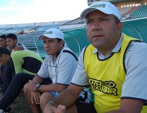 Técnico do Botafogo-PB, Suélio Lacerda (Foto: Expedito Madruga)