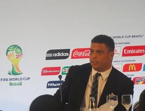 coletiva Ronaldo (Foto: Marcelo Baltar / Globoesporte.com)