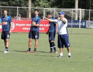 jogadores cruzeiro treino (Foto: Marco Antônio Astoni / Globoesporte.com)