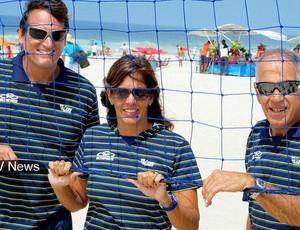 jaqueline, Jorge Barros, Marco Antonio, Albuquerque e comissão técnica da base do vôlei de praia (Foto:  Divulgação / CBV)