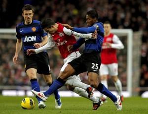 Van Persie marcou, mas não foi o bastante para o Arsenal (Foto: Agência Efe)