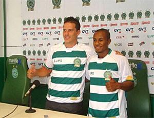 Emilio e Thiaguinho são apresentados no Guarani (Foto: EPTV.com)