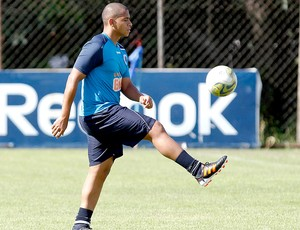 Walter no treino do Cruzeiro (Foto: Washington Alves / VIPCOMM)