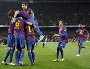 Barcelona comemora gol sobre o Real Madrid (Foto: EFE)
