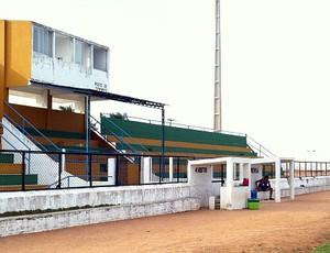 Estádio Barrosão, em Trairi, precisa de novos laudos de segurança (Foto: Diego Morais / Globoesporte.com)