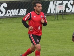 Martín Ligüera, meia do Atlético-PR (Foto: GLOBOESPORTE.COM)