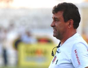 Zé Teodoro mexeu no time, mas não conseguiu um bom resultado no Sertão (Foto: Aldo Carneiro)