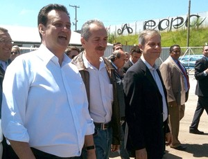 Aldo Rebelo, Ministro do Esporte, visita as obras da Arena do Corinthians (Foto: Sergio Gandolphi / GLOBOESPORTE.COM)