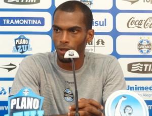 Naldo, zagueiro do Grêmio (Foto: Eduardo Cecconi/Globoesporte.com)