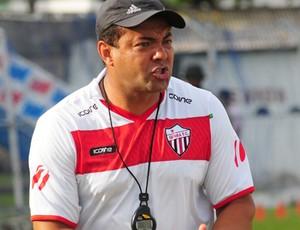 Paulo Ferreira, técnico do Serra (Foto: Fábio Vicentini/A Gazeta)