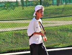 Gabriel Rezende, tenista de Estrela do Sul, vibra a cada ponto (Foto: Andréia Candido/GLOBOESPORTE.COM)