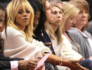 Rihanna assiste ao jogo entre Clippers e Nuggets (Foto: Agência Getty Images)