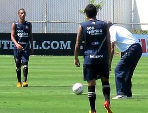 Liedson no treino do Corinthians (Foto: Carlos Augusto Ferrari / GLOBOESPORTE.COM)