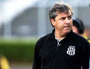 Gilson Kleina na derrota da Ponte Preta para o São Paulo (Foto: Marcos Ribolli / Globoesporte.com)