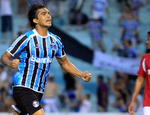 Marcelo Moreno gol Grêmio (Foto: Wesley Santos / Ag. Estado)
