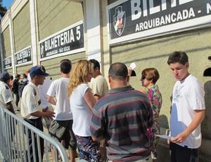 Fila ingressos São Januário Vasco (Foto: Gustavo Rotstein/Globoesporte.com)