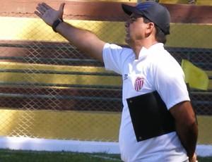 Moacir Júnior é o novo técnico do Tupi (Foto: Divulgação / Site Oficial do Villa Nova)