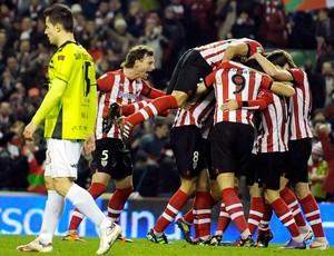 jogadores do Atlético de Bilbao comemoram gol sobre o Mirandes (Foto: Vincent West / Reuters)