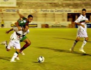 Fabinho Cambalhota mostra raça no primeiro jogo (Foto: Liga Desportiva Mossoroense/Reprodução)