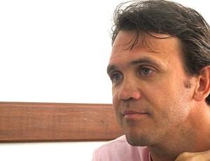 Petkovic durante entrevista no escritório (Foto: Richard Souza / GLOBOESPORTE.COM)