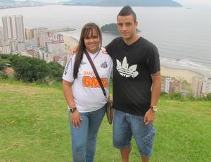Juliana Gomes, irmã e empresária de Felipe Anderson, meia do Santos  (Foto: Marcelo Hazan / GloboEsporte.com)