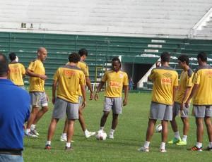 Time do Santos treina na Bolívia (Foto: Marcelo Hazan / globoesporte.com)