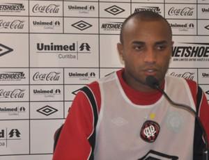 Ricardinho, do Atlético-PR, em coletiva de imprensan (Foto: Clewerson Bregenski / Site Oficial do Atlético-PR)