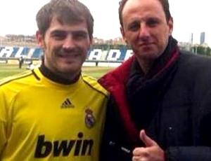Rogério Ceni se encontra com Casillas  (Foto: Reprodução)