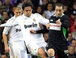 Kaká no jogo do Real Madrid contra o Racing (Foto: EFE)