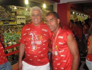 Felipe e Roberto Dinamite, do Vasco, na Sapucaí (Foto: Alexandre Alliatti / Globoesporte.com)
