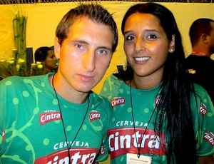 Bottinelli com a esposa no carnaval do Rio de Janeiro (Foto: Thiago Fernandes / GLOBOESPORTE.COM)