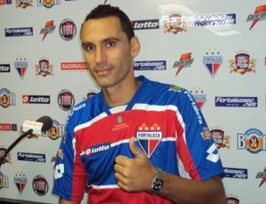 César Gaúcho, zagueiro do Vila Nova (Foto: Divulgação/Fortaleza)