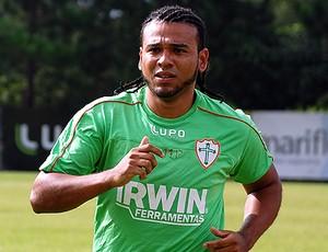 Diego Souza é o reforço da Portuguesa (Foto: divulgação / Portuguesa)