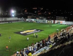 Nacionai-MG e América-MG se enfrentam no Farião, em Divinópolis (Foto: Rafael Moreira/TV Integração)