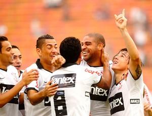 Adriano corinthians gol botafogo-SP (Foto: marcos Ribolli / Globoesporte.com)