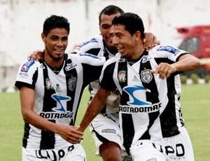 Ferreira, lateral-direito Treze (Foto: Leonardo Silva / Jornal da Paraíba)