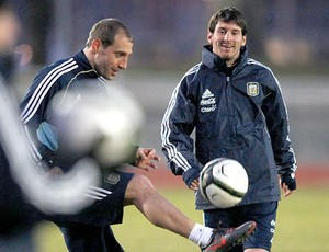 Messi no treino da Argentina (Foto: Reuters)