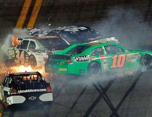 Acidente Danica Patrick Jimmie Johnson Daytona 500 (Foto: Getty Images)