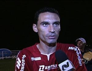 Cesar Gaúcho, zagueiro do Vila Nova (Foto: Reprodução/TV Anhanguera)