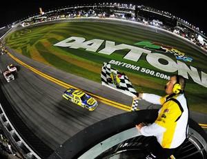 Matt Kenseth vence a Daytona 500 (Foto: Getty Images)