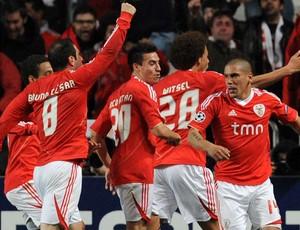Maxi Pereira Benfica x Zenit (Foto: AP)