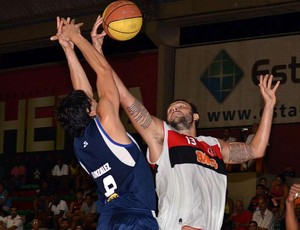 Caio Torres Flamengo x Minas basquete (Foto: João Pires/LNB)