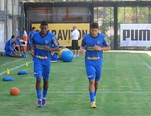 Maicosuel e Elkeson, treino Botafogo (Foto: Thales Soares / Globoesporte.com)