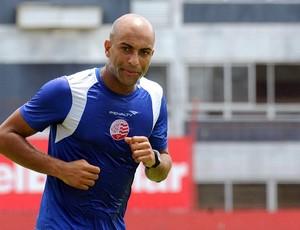 Ronaldo Conceição, zagueiro do Náutico (Foto: Aldo Carneiro)