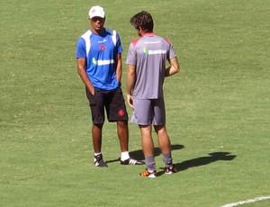 Juninho e Cristóvão no treino do Vasco (Foto: Gustavo Rotstein / Globoesporte.com)
