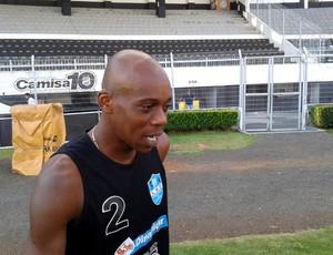 Régis Pitbull sonha em voltar ao futebol (Foto: Heitor Esmeriz/Globoesporte.com)